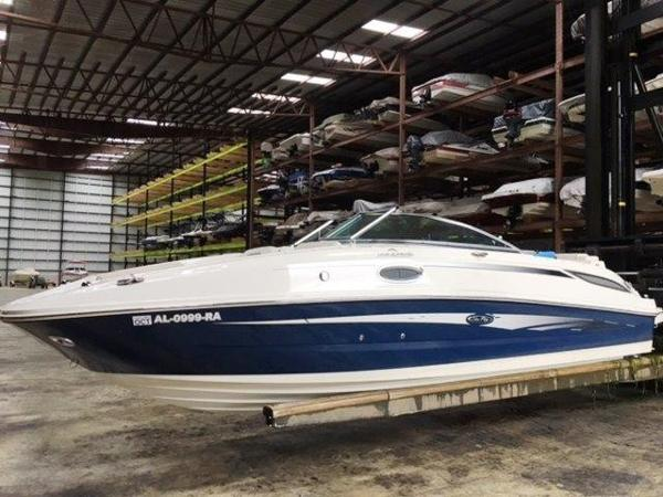 Sea Ray 260 Sundeck Profile