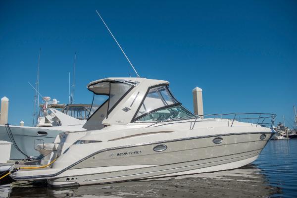 Monterey 340 Sport Yacht