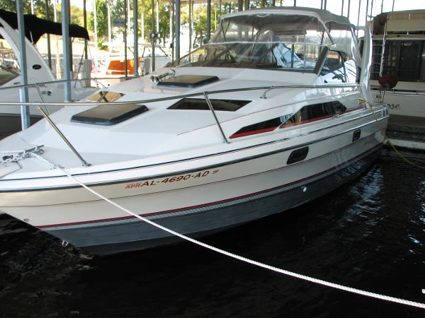 Bayliner 2655 Ciera Cruiser Dockside