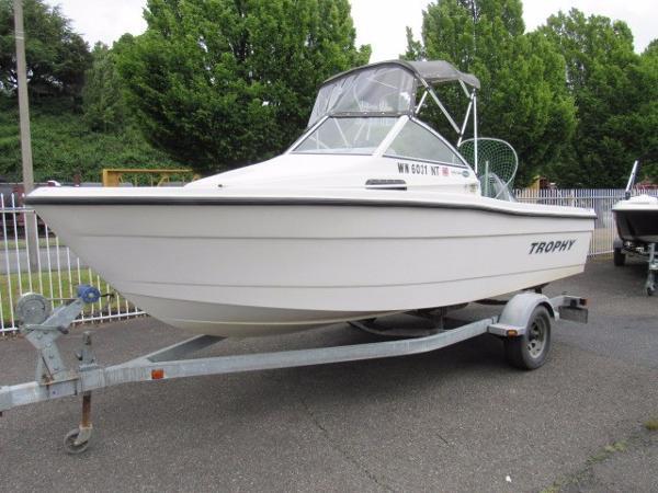 Trophy 1802 Walkaround Bayliner Trophy 1802 Walkaround, Fishing Boat