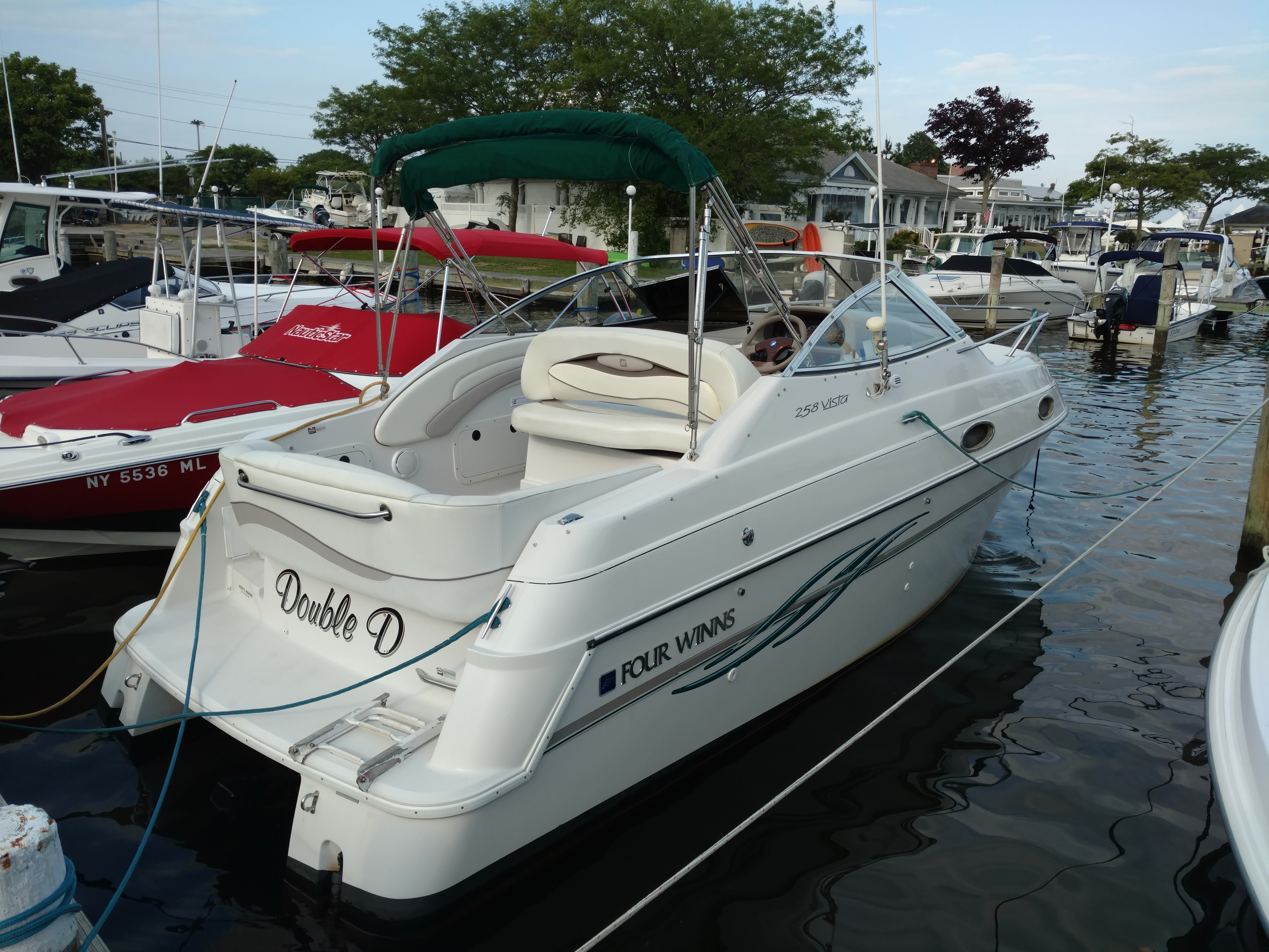 Four Winns 258 Vista Cruiser