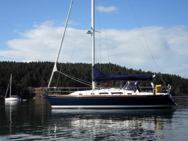 Sabre 386 At Anchor - Port