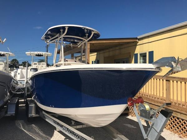 Sea Chaser 24 HFC Twin
