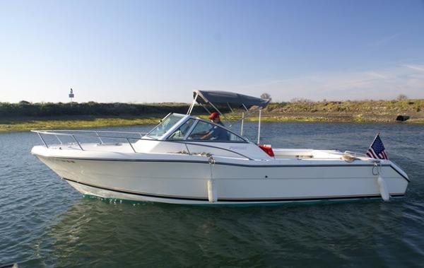 Pursuit 2460 Denali Port Profile