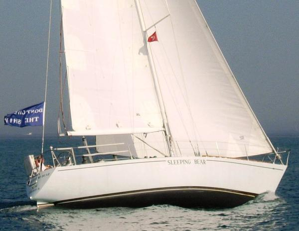 Palmer Johnson Peterson 2 ton At sail