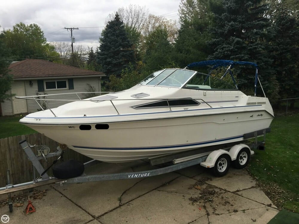 Sea Ray 240 Sundancer 1992 Sea Ray 240 Sundancer for sale in Troy, MI