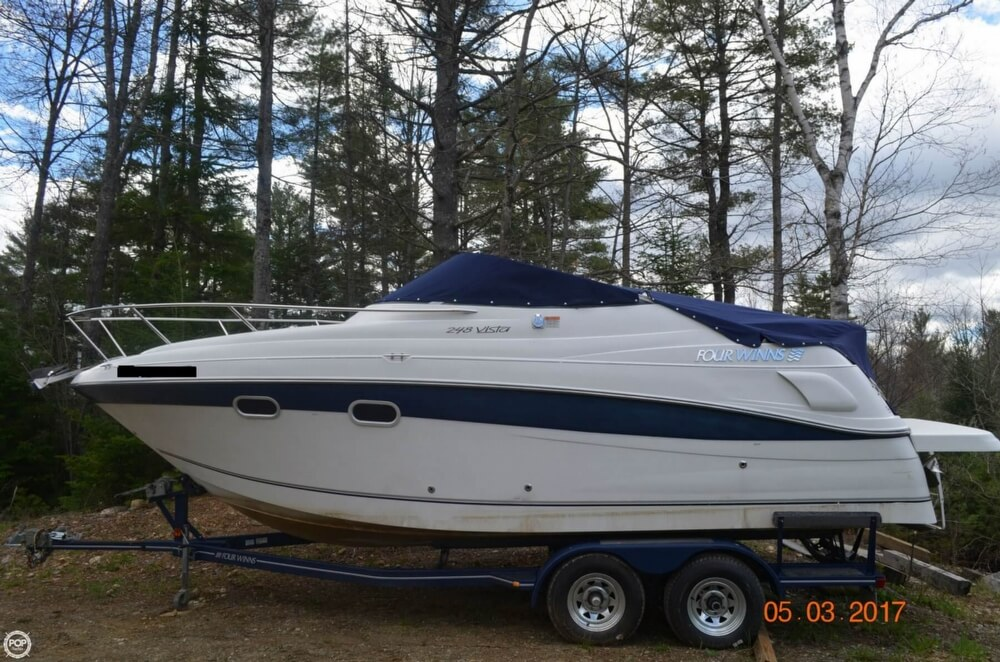 Four Winns 248 Vista 2001 Four Winns 248 Vista for sale in Pittston, ME
