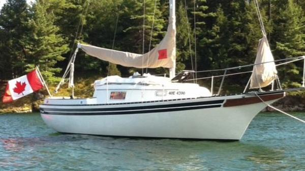 Bayfield 25 Sloop At Anchor