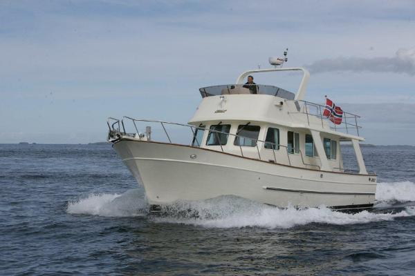Explorer Motor Yachts 43
