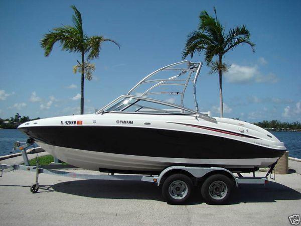 Yamaha Sport Boat AR210 Wakeboard Jet Boat