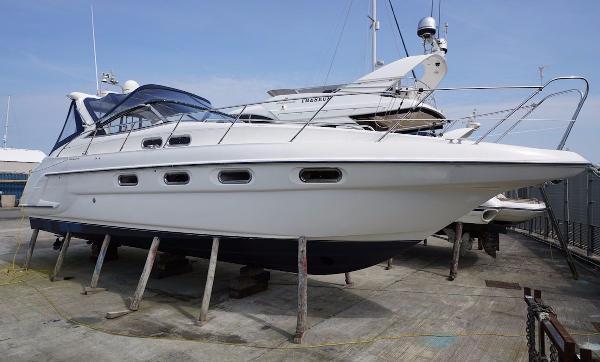 Sealine S37 Sports Cruiser Sealine S37