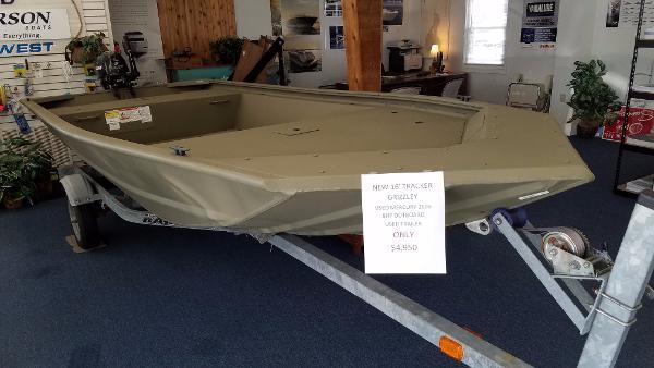 Tracker Grizzly 1648 Jon Boat