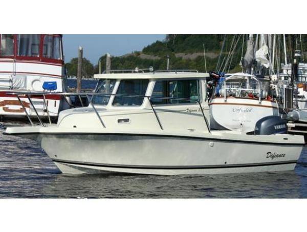 Defiance 220 Admiral NT Pilothouse