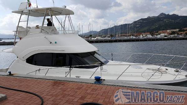 Riviera 38 t- top fly