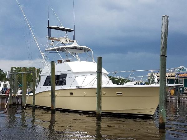 Hatteras 50 Convertible Starboard Profile