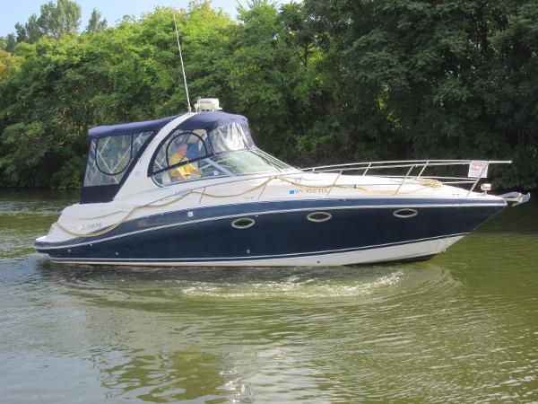 Four Winns 318 Vista ON THE WATER