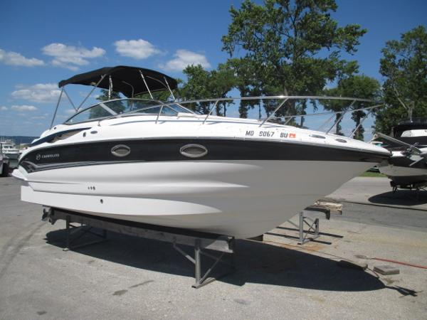 Crownline 250 CR Starboard Bow