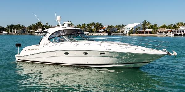 Sea Ray Sundancer 44