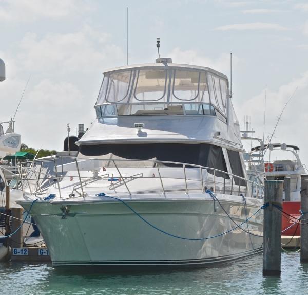 Sea Ray 550 Sedan Bridge Ocean Tales