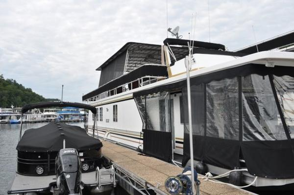 Sharpe 16 x 74 Houseboat