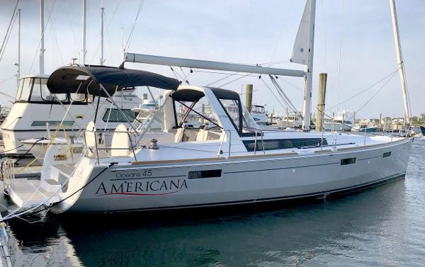 Beneteau Oceanis 45 2017 Beneteau Oceanis 45 - Docked