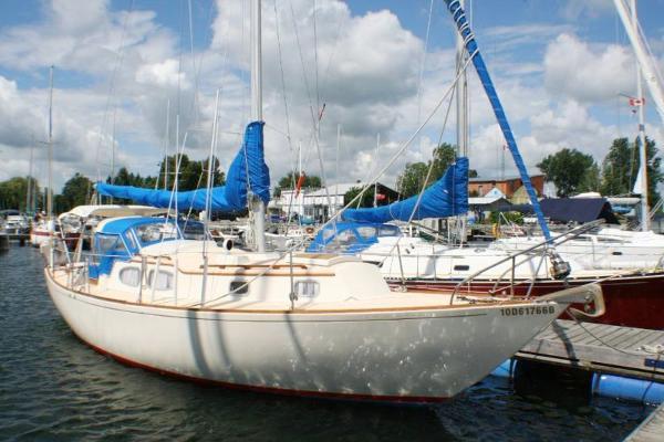 Bristol 35 At Dock
