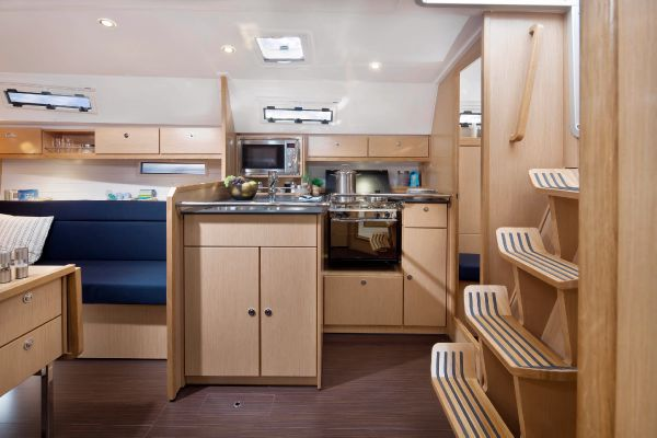 Bavaria 36 Cruiser Galley