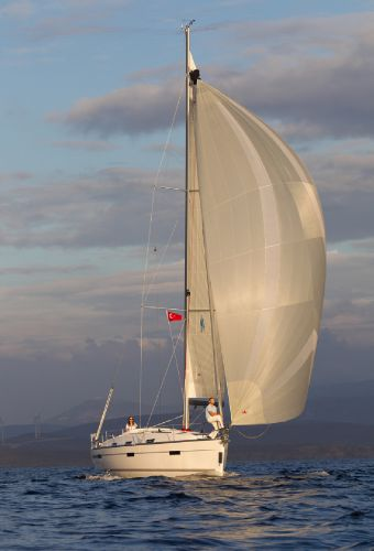 Bavaria 36 Cruiser Sails