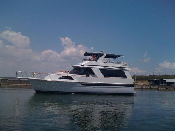 Chris-Craft Constellation 501