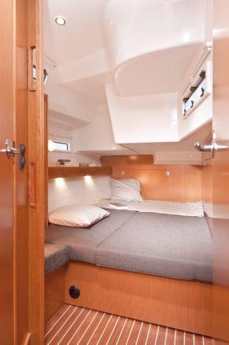 Bavaria 50 Cruiser Cabin