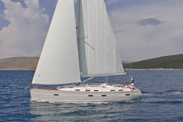 Bavaria 50 Cruiser Side View