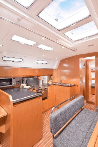Bavaria 50 Cruiser Galley
