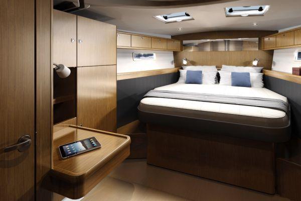 Bavaria 56 Cruiser Cabin