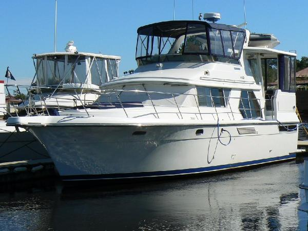 Used carver 440 aft cabin motor yacht motor yacht boats for Carver aft cabin motor yacht