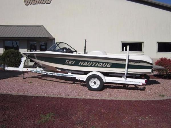 Correct Craft Ski Nautique Closed Bow