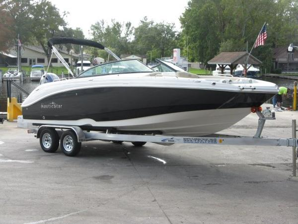 Nautic Star 243DC Sport Deck