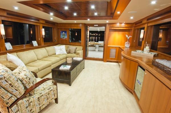Salon facing aft