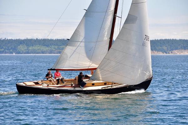 Custom Irving Sloop