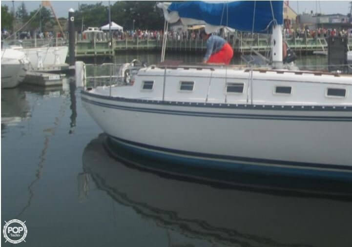 Hunter 33 1981 Hunter 33 for sale in Portland, CT