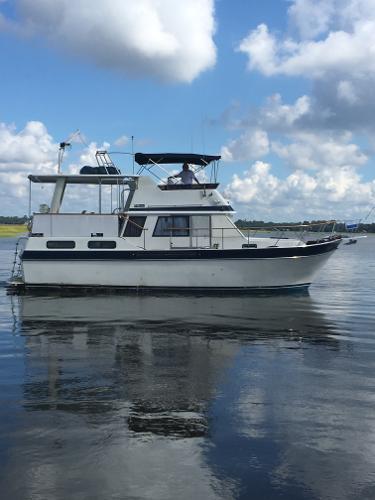 Californian 38 Motor Yacht