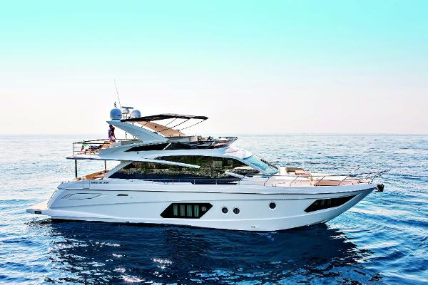 Absolute 72 FLY Starboard Side