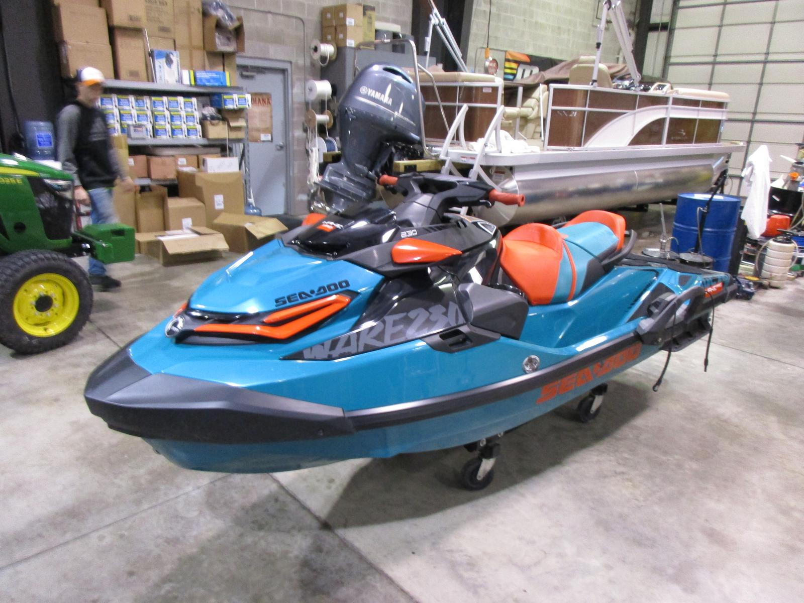 Sea-Doo wake pro 230 w/sound