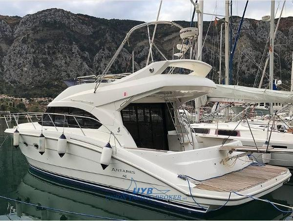 Beneteau Antares 42 Fly 001