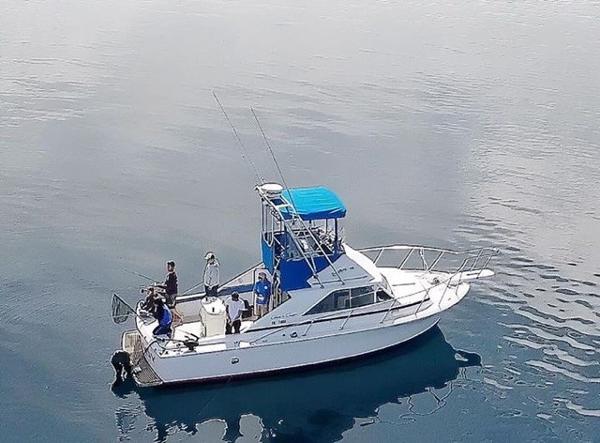 6375346_20170920204138423_1_LARGE?w=300&h=300 1977 chris craft 360 commander, bellevue washington boats com Chris Craft Commander Electrical Wiring at alyssarenee.co
