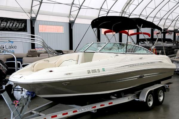 Sea Ray 220 Sport Deck