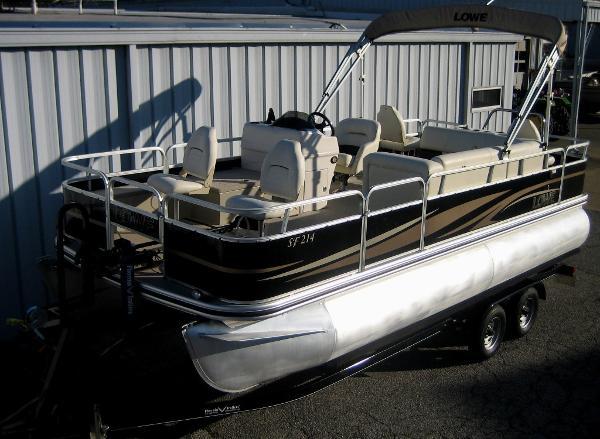 Lowe SF214 pontoon