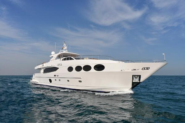 Majesty Yachts 105