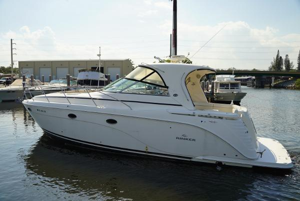 Rinker 410 Express Cruiser