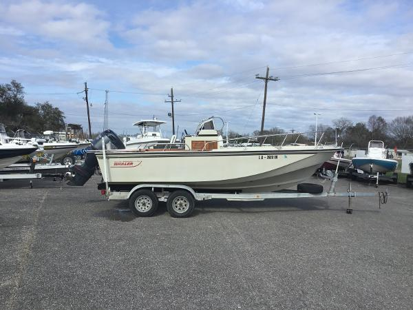 Boston Whaler Outrage 20