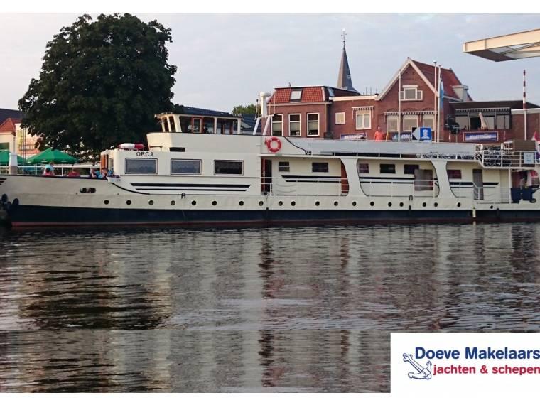 Live Aboard Barge 30.80